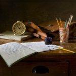 Fatigué d'un bureau en désordre ? Faites confiance à la magie du rangement